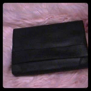 Nwt summer and Rose clutch